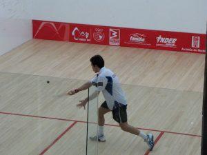 Jouer Au Squash